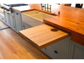 Столешница из дерева – это одно из лучших решений для вашей квартиры
