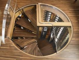 Винтовая лестница в подвал своими руками: базовые элементы конструкции