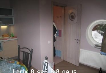 Дверь из выбеленной лиственницы