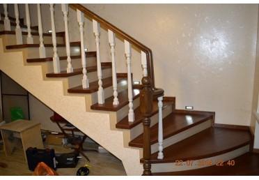 Фото элементов деревянных лестниц