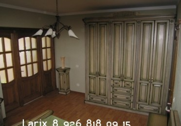 Шкаф из дуба в стиле прованс